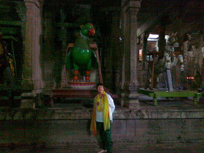 Terri in-Temple-lores-01